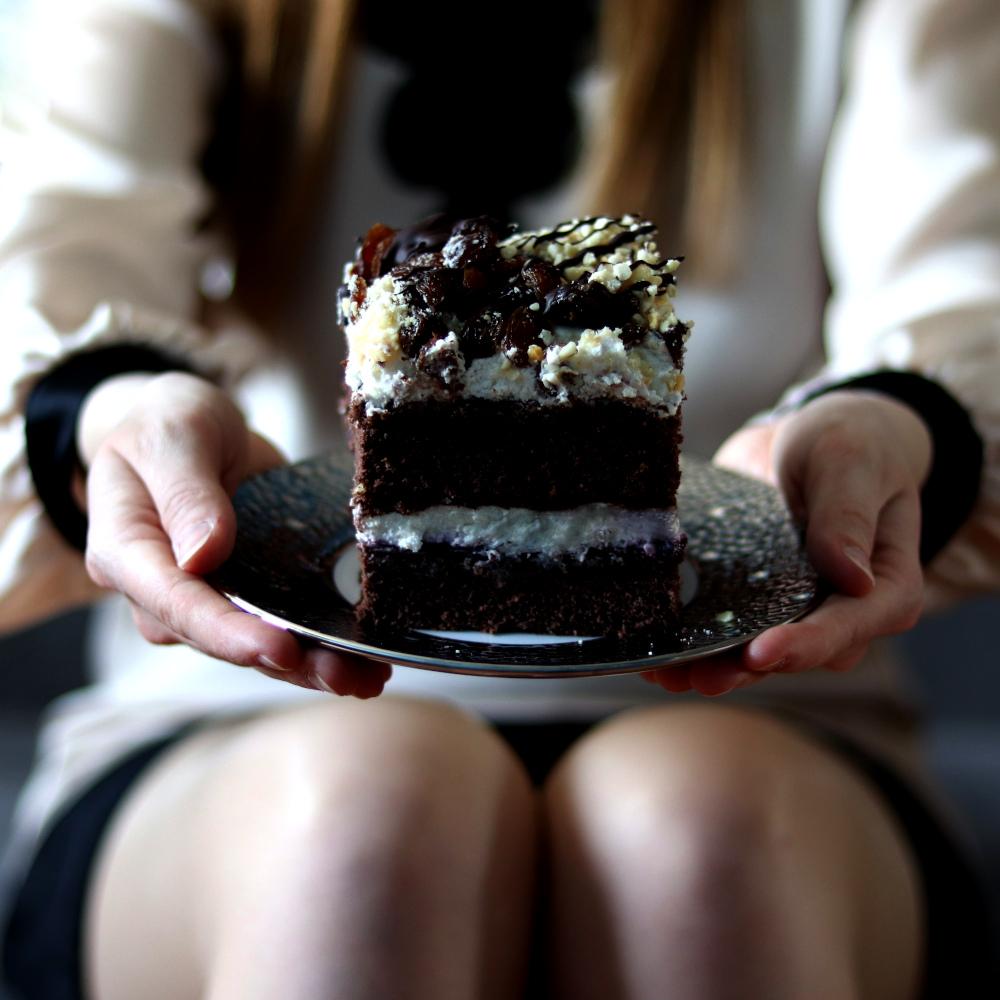 Read more about the article Orfeusz – przepis na tort ze śmietaną i bakaliami.