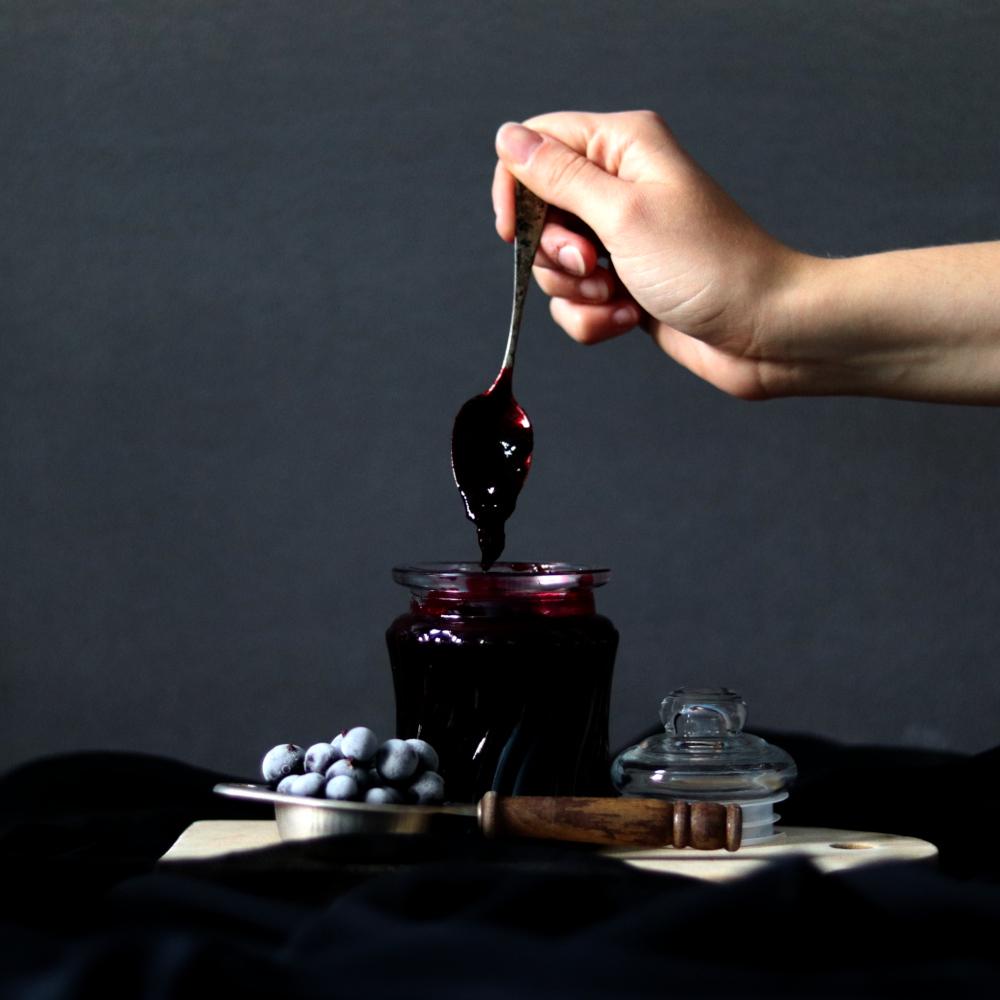 Read more about the article Dżem z czarnej porzeczki domowej roboty