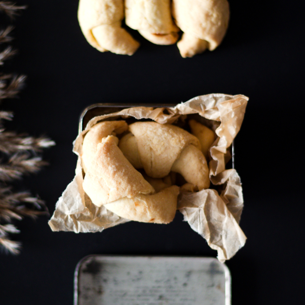 Rogaliki krucho-drożdżowe z marmoladą