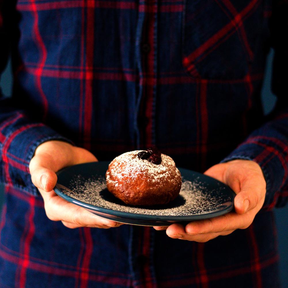 Domowe pączki z marmoladą – tradycyjny przepis