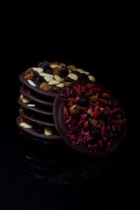Mendiants, czyli krążki czekoladowe z bakaliami